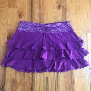 Lululemon laser cut ruffle run skirt